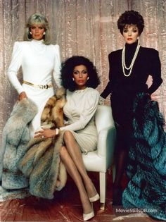 Dynasty promo shot of Joan Collins, Linda Evans and others