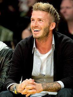 David Beckham Football, Cool Hairstyles For Men, Men's Hairstyles, David Beckham Style, The Beckham Family, Beard Styles For Men, Hair Color Highlights, Star Wars, Beautiful Men