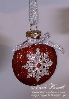 Simple DIY Christmas ornaments that look bought store - twin platesSimple DIY Glitter SnowFlake Christmas ornament with a cricut, glitter paper, a clear glass ornament and the glitter mop and glow method. This is perfect Diy Christmas Fireplace, Diy Christmas Snowflakes, Christmas Ornaments To Make, Noel Christmas, Xmas Crafts, Homemade Christmas, Paper Crafts, Amazon Christmas, Xmas Baubles