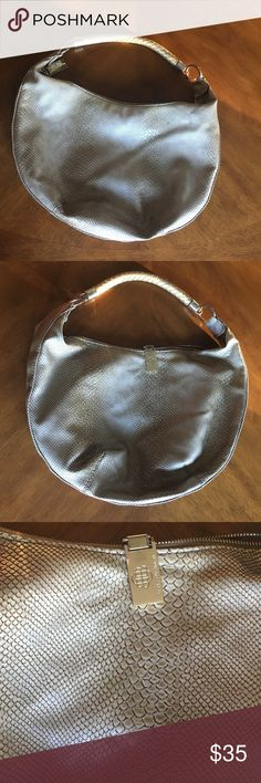 """Dana Buchanan hobo style gold faux snakeskin bag Trendy and fun Dana Buchanan hobo style gold snakeskin pattern bag 15"""" wide, 11"""" tall, 1.5"""" wide with gold colored hardware, and gold braided handle. Dana Buchman Bags Hobos"""