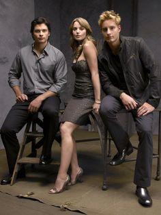 Tom Welling, Allison Mack e Justin Hartley in una immagine promo di Smallville