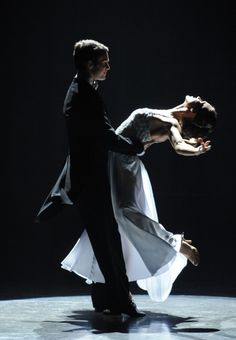 Jakob Karr and Ashleigh Di Lello perform a Viennese Waltz choreographed by Tony Meredith and Melanie LaPatin