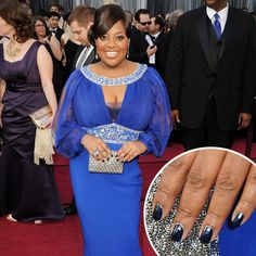 *Sherri Shepherd with metallic blue nails at the 84th Annual Academy Awards.