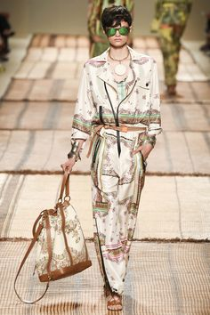 Etro Spring 2017 Ready-to-Wear collection. Silk jumpsuit