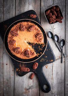 Taateli-juustokakku ilman sokeria - Perinneruokaa prkl Iron Pan, Sugar, Food, Eten, Meals, Diet