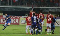 Berita Bola Liga Indonesia: Berita Bola Liga Indonesia: Persib Hanya Bisa berm...