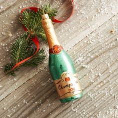 sur la table Champagne Bottle Ornament - Bing Images