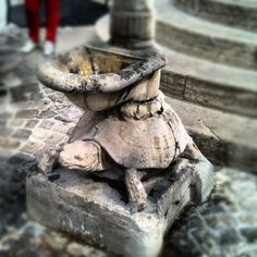 @michaelturtle fountain in Verucchio - Instagram by @n_montemaggi