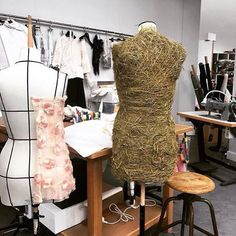 Chanel recreated their famous atelier as a decor for their haute couture collection just shown in the Grand Palais in Paris|  @FionaHering_voguenl #ChanelHauteCouture #ChanelAteliers