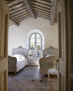 Rustic Italian Home – La Bella Vita Cottage Shabby Chic, French Cottage, French Country House, Country Blue, Country Chic, Italian Living Room, French Country Bedrooms, Italian Home, French Interior