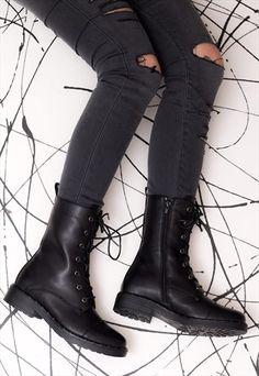 97a6b33b1 63 melhores imagens de Gótica suave | Shoes, Accessorize skirts e Black
