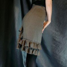 DIY Pencil Skirt | Steampunk-y ruffled pinstripe pencil skirt | DIY Fashion