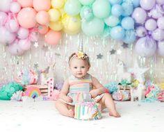 Rainbow First Birthday, First Birthday Party Themes, Baby Birthday Cakes, Rainbow Theme, Girl First Birthday, Rainbow Balloon Arch, Rainbow Smash Cakes, Baby Cake Smash, Rainbow Party Decorations