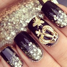 Queen Bee nail art.