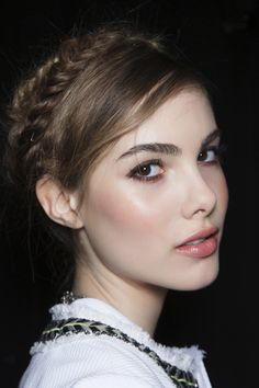 Spring Trend Report: All the Beauty Looks You Need toKnow