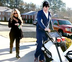 Now that's a post-baby body reveal! Kim Zolciak busted out during an afternoon stroll with her husband Kroy Biermann on Friday, Nov. 29, showing off her already slimmed-down figure while keeping her newborns hidden. The former Real Housewives of Atlanta star gave birth to twins Kaia and Kane four days earlier on Nov. 25.
