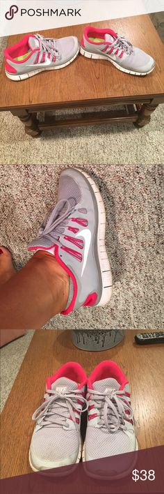 Nike Free 5.0 Rarely worn! Excellent condition 😊 Nike Shoes Sneakers