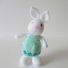 Ravelry: Bramble Bunny pattern by Amanda Berry