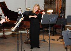 La musique canadienne jouée en Russie!   Natalia Kononova, une violoniste Montréalaise d'origine Russe (et une amie de Bernard Bujold - LeStudio1.com) , présentera la première Russe du Concerto No. 2 pour violon et orchestre de la compositrice canadienne Anne Lauber.   Le concert aura lieu samedi 28 Avril 2012 à la Salle Philharmonique de la ville de Voronezh en Russie sous la direction de Maestro Igor Verbitsky. Bravo!  Voir Facebook Natalia   http://www.facebook.com/profile.php?id=562643734
