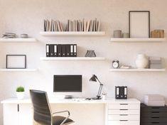 Vista de home office, com bancada, gaveteiros e prateleiras.