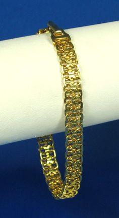 30% off sale until 11/23/15 A unique piece of #Napier costume jewelry.  This…