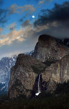 Bridalveil Falls, Yosemite National Park, USA, photo by Jason Branz