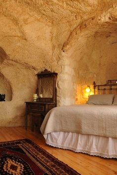 10 Upscale Caves You Can Book for Your Next Vacation inspiration Minecraft Cave House, Medieval, Sustainable Architecture, Pavilion Architecture, Residential Architecture, Contemporary Architecture, Underground Homes, Woman Cave, Unusual Homes