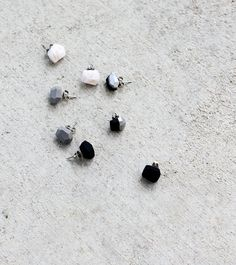 black geo earrings от amerrymishap на Etsy