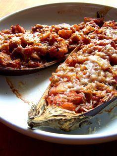 Řekla jsem si, že by dnes bylo dobré něco přidat na blog, a tak vám dnes servíruji skvělý recept na plněný lilek. Tento recept už mám v... Eggplant Recipes, Lasagna, Macaroni And Cheese, Food To Make, Low Carb, Vegetarian, Treats, Cooking, Health