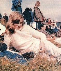 Lady Diana Spencer on holiday. Princess Diana Pictures, Princess Diana Family, Princes Diana, Royal Princess, Princess Of Wales, Lady Diana Spencer, Spencer Family, Diana Photo, Hm The Queen