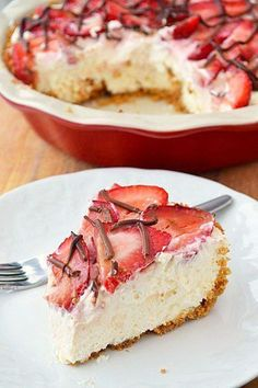 Strawberries and Cream Pie . Try it with different fruit & may all chocolate cookie crust or half graham half cookie. Also peanut butter cream pie recipe. Brownie Desserts, Just Desserts, Dessert Recipes, Cookbook Recipes, Dessert Healthy, Yummy Treats, Sweet Treats, Yummy Food, Strawberry Cream Pies