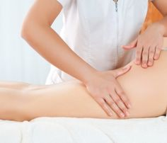 Cellulite seems to be unavoidable. Most women around the world are all too familiar with the bumpy skin caused by cellulite. Cellulite is fat that is close to the surface of. Combattre La Cellulite, What Is Cellulite, Cellulite Exercises, Lymphatic Drainage Massage, Peau D'orange, Toenail Fungus Cure, Prenatal Massage, Dark Under Eye, Circulation Sanguine
