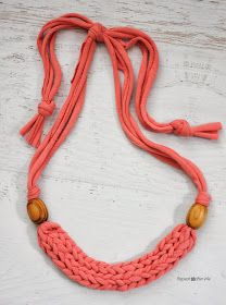 Repeat Crafter Me: How to Finger Weave a Necklace with T-shirt Yarn