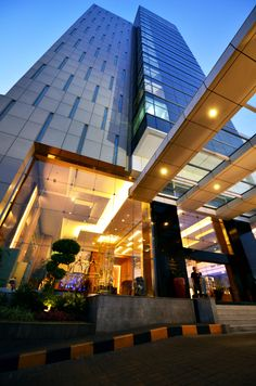 17 floor 5* hotel building @ Semarang, Central Java, Indonesia #indonesia #semarang #centraljava #hotel #5starhotel #travel #view Semarang, Opera House, Skyscraper, Multi Story Building, Fair Grounds, Stairs, Tower, Java, Travel