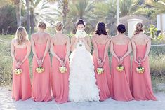 New wedding photography bridal party group poses cute pictures ideas Wedding Poses, Wedding Shoot, Dream Wedding, Wedding Dresses, Trendy Wedding, Bridesmaid Bouquets, Wedding Ideas, Wedding Ceremony, Bridal Party Poses