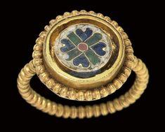 A BYZANTINE GOLD AND ENAMEL FI