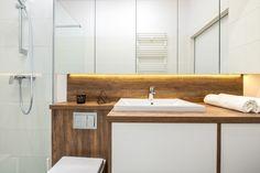 Nieduże mieszkanie: zobacz piękne i wygodne wnętrze - Galeria - Dobrzemieszkaj.pl Vanity, Bathroom, Dressing Tables, Washroom, Powder Room, Bathrooms, Makeup Dresser, Mirror, Bath