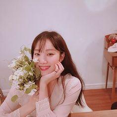 Korean Actresses, Korean Actors, Actors & Actresses, Korean Men, Lee Sung Kyung Photoshoot, Korean Celebrities, Celebs, Sung Hyun, Weightlifting Fairy Kim Bok Joo