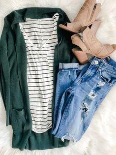 880e6cec28 Hunter green long cardigan, black striped white t-shirt, skinny jeans, sand