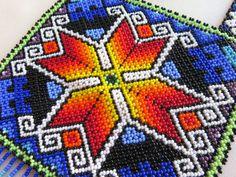 Plaza de Huichol de México cuentas collar estrella de la placa