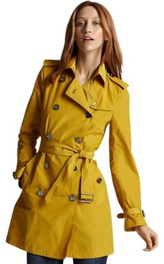 9d82bf2d7 Burberry Brit Buckingham Packable Trench Trench Coat. Free shipping and  guaranteed authenticity on Burberry Brit. Tradesy