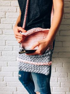 3 knitted clutch _ free pattern