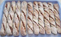 Süssünk-főzzünk együtt!: ALMÁS ÉS MÁKOS CSAVART Sweet Cookies, My Recipes, Sweets, Bread, Food, Hungary, Good Stocking Stuffers, Candy, Eten