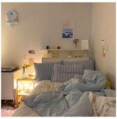 𝑒𝑑𝑖𝑡𝑒𝑑 𝑏𝑦 @𝑐𝑙𝑎𝑖𝑟𝑒𝑒𝑙𝑖𝑠𝑒_ #room #inspiration #aesthetic #simple #roominspirationaestheticsimple Room Design Bedroom, Room Ideas Bedroom, Bedroom Decor, Korean Bedroom Ideas, Bedroom Inspo, Study Room Decor, Minimalist Room, Aesthetic Room Decor, Cozy Room