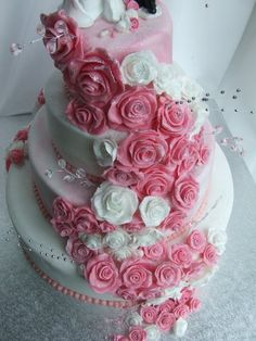Nice Pink Wedding Cakes with Pink Flower Image