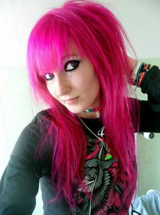 Im going to miss my hot hot pink hair! :(