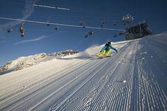 Der Mölltaler Gletscher bietet das ganze Jahr herrliche Pisten für Skifreaks. Erreichbar in nur 20 Minuten Fahrtzeit ab der Tauernschleuse Mallnitz. Das Skigebiet ist ganzjährig in Betrieb, ab November sind alle Lifte und Pisten vollständig geöffnet. Kombinieren Sie das pulsierende Leben Gasteins, die Entspannung in den Gasteiner Thermen, mit herrlichen Skitagen am Mölltaler Gletscher. Die Residenz Gruber hat das richtige Angebot für Sie. Carinthia, Austria, November, Lifestyle, Ski Trips, Life, November Born