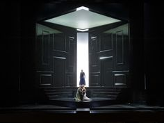 Pelléas et Mélisande at the Aalto-Theater Essen. Production by Nikolaus Lehnhoff. Sets by Raimund Bauer.