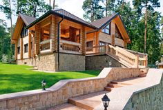 Since people started building structures with a roof and four walls for themselves and their family, one of the oldest materials used since the birth of architecture today is wood. Log Cabin Getaways, Getaway Cabins, Cabin Homes, Log Homes, Wooden Cabins, Wooden Houses, Architecture Today, Cabin House Plans, Building Materials