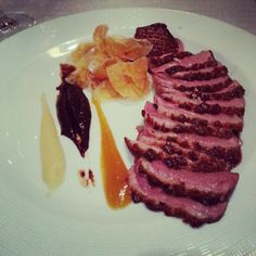 Magret de pato con frutos rojos Steak, Red, Meals, Steaks